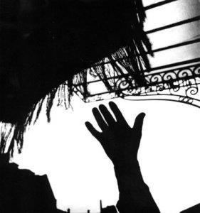 Hand and Fringe Paris
