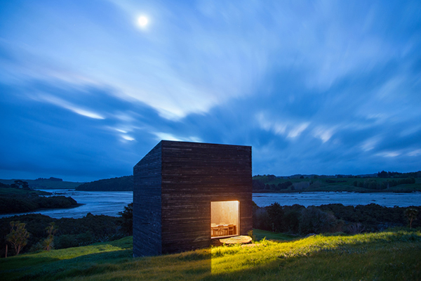 image of a cabin by photographer jeremy toth