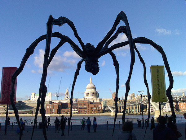 giant modern sculpture of a spider at tate modern
